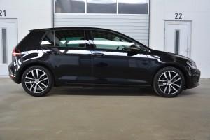 VW Golf schwarz